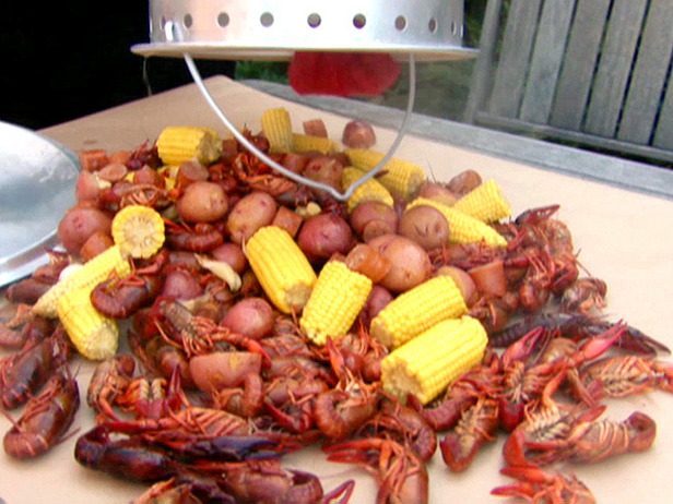 Crawfish Boil- suck-dat-head pinch-dat-tail