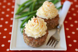 Mashie-Topped-Meatloaf-Cupcakes